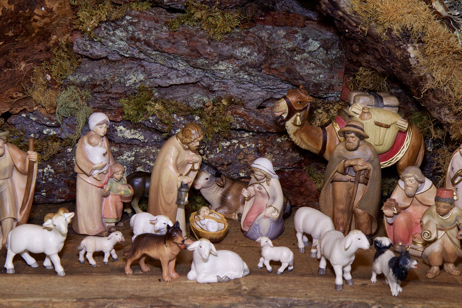 christmas-crib-figures-1080132_1920